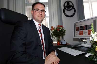 Bürgermeister Jan Lindenau warnt vor den Auswirkungen der Einsparungen. Foto: JW