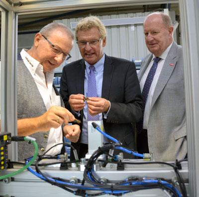 Wirtschaftsminister Buchholz besuchte auf Einladung der Handwerkskammer Lübeck mehrere Handwerksbetriebe im Land. Foto: HWK Lübeck