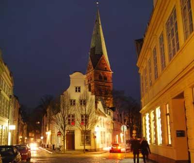 Der Verkehrsverein bietet unterschiedliche Führungen durch und zu Lübeck an.