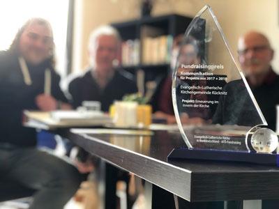 Mit Rückenwind ins nächste Jahr: Die Kampagne Alles klar?! hat den Fundraising-Preis der Nordkirche gewonnen. Foto: Ines Langhorst.