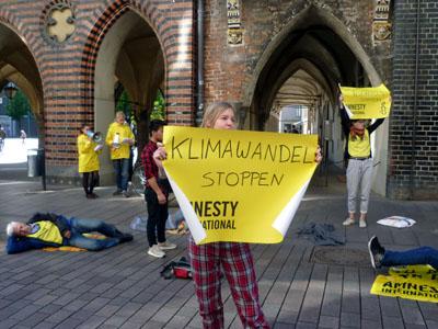 Die Aktivisten machten auf die Bedeutung der Wahl bei wichtigen Themen aufmerksam. Fotos: H.L.