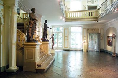 Es wird unter anderem eine Führung durch das Behnhaus Drägerhaus angeboten. Foto: Michael Haydn