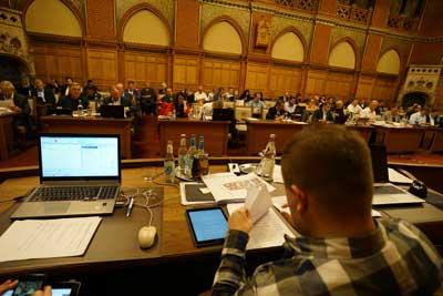 Die Mitglieder der Bürgerschaft treffen sich am Donnerstag, 28. November 2019, um   16 Uhr im Bürgerschaftssaal des Lübecker Rathauses zu ihrer Sitzung. Foto: JW