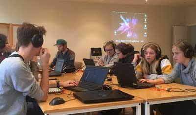 Vor drei Wochen noch im Klassenzimmer. Foto: Stiftung Neue Musik-Impulse