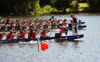 19 Mannschaften treten beim 9. Lübecker Drachen-Cup auf der Wakenitz an. Foto: André Pohlann
