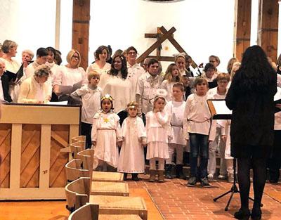 Der Engelchor begleitet den Gottesdienst. Foto: Gemeinde