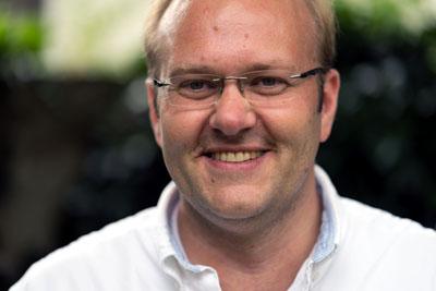 Der Spitzenkandidat der SPD Schleswig-Holstein für das EU-Parlament, Enrico Kreft, lädt zum Boule-Spiel in den Stadtpark ein.