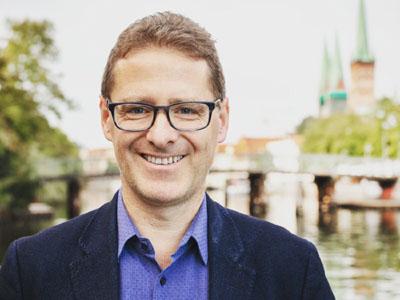 Thorsten Fürter (Bürgerschaftsmitglied) wird mit Sophia Marie Pott diskutieren.