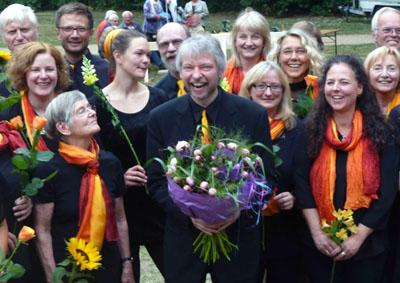 Der Lübecker Gospel und Popchor lädt zur Weihnachtsvesper ein.