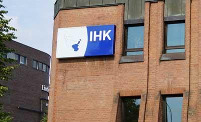 Die IHK bietet ein Webinar zu Vorsorgevollmachten für Unternehmer an.