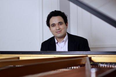 Jason Alejandro Ponce Guevara gibt gemeinsam mit Martina Lenton ein Klavierkonzert. Foto: Veranstalter