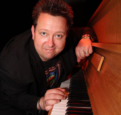 Sebastian Krumbiegel kommt mit seinem Soloprogramm am Samstag in die Kirche in Zarpen. Foto: Veranstalter