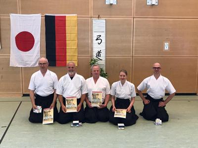 Bereits seit 25 Jahren wird in Lübeck das japanische Bogenschießen (Kyudo) praktiziert. Archivbild: Verein