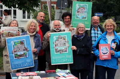 Die Initiative sammelt auch an den kommenden Samstagen Unterschriften auf dem Wochenmarkt am Brink. Foto: Initiative