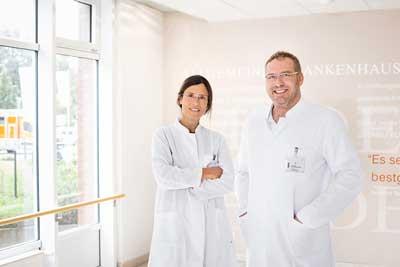 Christine Hansen-Wester und Dr. med. Tim Kuchenbuch leiten das Lungenzentrum im Kollegialsystem. Foto: Sana Kliniken