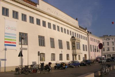 Die Musikhochschule lädt zu einem Konzert mit dem Ensemble für Alte Musik ein.