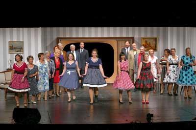 Mit einer Revue über die 50er Jahre eröffnete die Niederdeutsche Bühne das Jubiläumsjahr. Foto Niederdeutsche Bühne