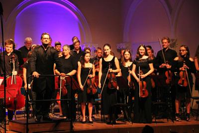 Beginnen wird das Konzert mit vier Studentenliedern die Brahms in seiner Akademischen Festouvertüre verarbeitet hat. Foto: Orchester der Universität zu Lübeck.