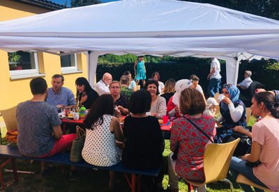 Beim Brunch in St. Lorenz Süd trafen sich Politiker, Interessensvertreter und Bürger zum gemeinsamen Austausch bei Kaffee und Waffeln. Foto: SPD  Holstentor Süd .
