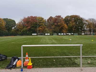 Walking Football soll für alle sein, die sich im Alter und/ oder angeschlagener Gesundheit dennoch fit halten wollen. Foto: A. Wulff/SV Eintracht Lübeck 04 e.V.