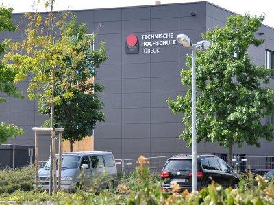 Am neuen Seminargebäude ist der Schriftzug schon zu sehen. Foto: FH Lübeck