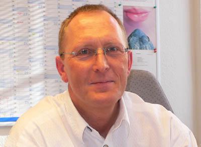 Thomas Klempau warnt vor einer weiteren Erhöhung der Mietnebenkosten in Lübeck.