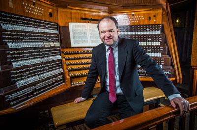 Marienorganist Johannes Unger lädt zum sommerlichen Orgelkonzert ein. Foto: Olaf Malzahn