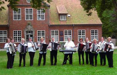Alexanders Akkordeon Band feiert am Sonntag ihr zehnjähriges Bestehen. Foto: Veranstalter