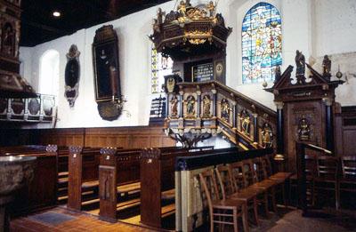 Im Rahmen der Offenen Kirche am Sonntag in St. Andreas geht es um Fossilien.