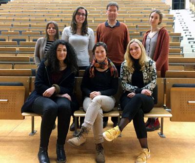 Die Ehrenamtlichen von ArbeiterKind.de setzen sich für Studierende der ersten Generation ein und ermutigen Schülerinnen und Schüler zum Studium.