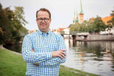Arne-Matz Ramcke, baupolitischer Sprecher der Grünen Fraktion, spricht von einer Verkehrspolitik der 60er und 70er Jahre.
