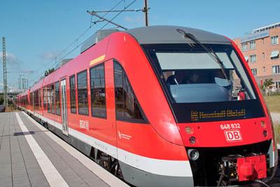 Die neue S-Bahn soll die Strecke Hamburg-Lübeck entlasten.