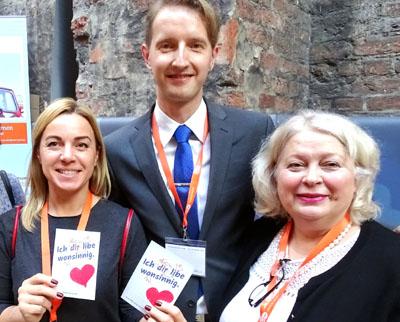 Edvinas Simulynas, Verbandsvorsitzender aus Litauen, konnte zahlreiche Kolleginnen für die Reise nach Lübeck gewinnen. Fotos/O-Töne: Harald Denckmann