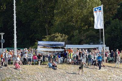 Die Bürgerinitiative ruft zu einer Menschenkette gegen die weitere Bebauung des Priwalls auf. Foto: Karl Erhard Vögele/Archiv