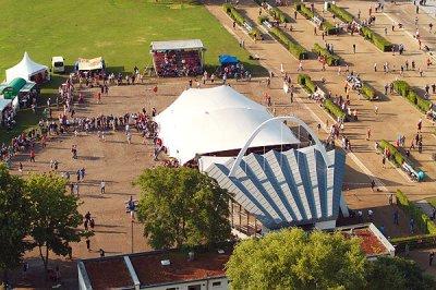 In Travemünde findet mit dem Holstentorturnier das größte deutsche Petanque Turnier statt. Foto: Karl Erhard Vögele/Archiv