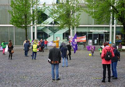 Einige wenige Teilnehmer hielten an der Tradition der Mai-Demos fest. Fotos: JW/VG
