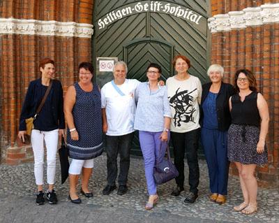 Annelie Buntenbach, Vorstandsmitglied des DGB, besuchte mit Lübecker Gewerkschaftern das Heiligen-Geist-Hospital. Foto: DGB
