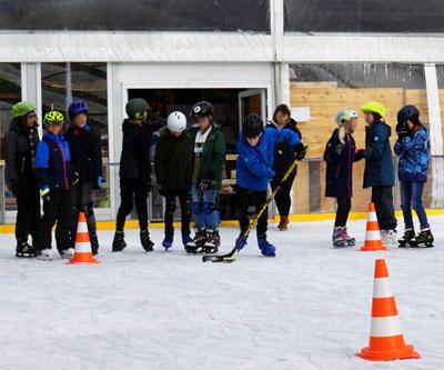 13 Schulklassen nahmen an den Eisspielen teil. Fotos: JW