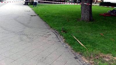Beim Einschlagen des Erdankers wurde ein Stromkabel getroffen. Foto: Mario Hansen