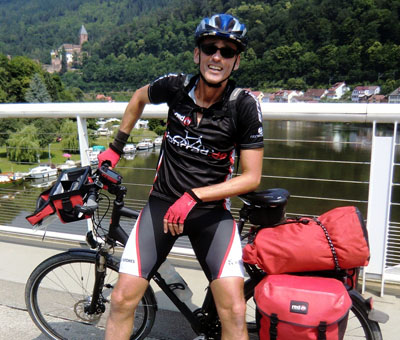 Fran Herrmann wirbt auf seiner Radtour durch Deutschland für ein umweltgerechtes Reisen. Foto: Veranstalter