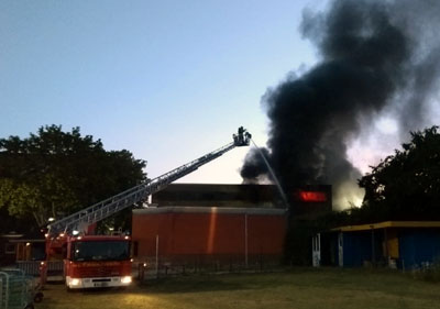 An der Fackenburger Allee brannte am Montagmorgen ein Trafo. Fotos: Stefan Strehlau