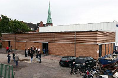 Am Dienstag wurde die neue Halle im Fischereihafen eingeweiht. Fotos: Karl Erhard Vögele