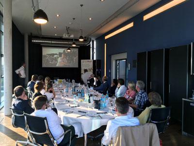 Die Experten für Marketing im Nahrungsmittelbereich diskutieren regelmäßig über neue Produkte. Foto: foodRegio (Archiv)