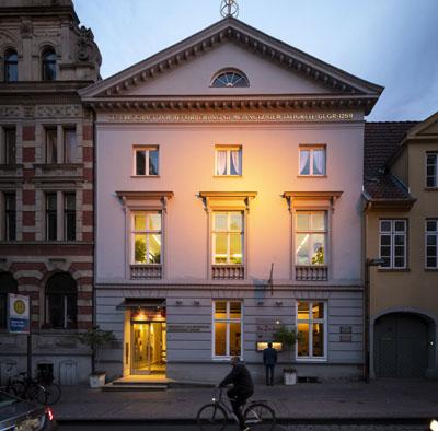Die Tagung findet in der Gemeinnützigen, Königsstraße 5, statt.