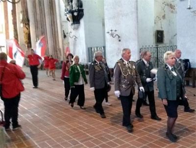 Vor dem Volksfestzug gab es einen Gottesdienst in St. Marien. Fotos: privat