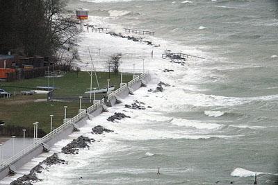 Das Land rechnet mit einem Anstieg des Pegels an der Ostseeküste von einem Meter. Fotos: Kar Erhard Vögele/Archiv