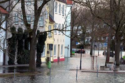 Am Mittwoch kann es in Lübeck erneut zu einem Hochwasser kommen. Foto: VG
