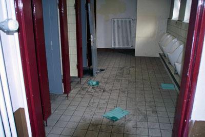 Der Stadt entgehen über eine halbe Million Euro für die Toiletten-Sanierung, weil Mitarbeiter fehlen. Foto: JW/Archiv