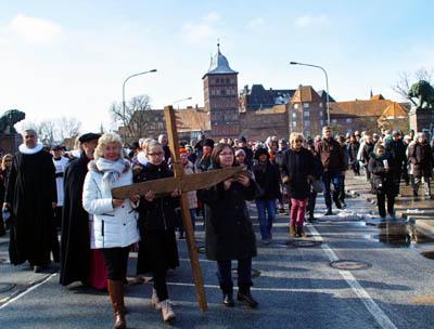 Zum Kreuzweg werden am Freitag mehrere hundert Gläubige von St. Jakobi zum Jerusalemsberg gehen. Fotos: JW