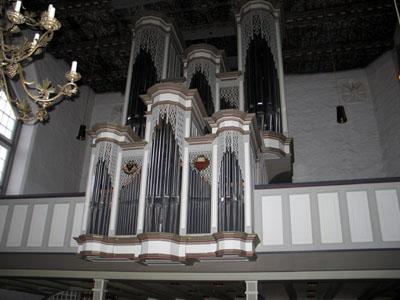 Der NDR überträgt am Sonntag den Gottesdienst aus St. Lorenz Travemünde. Foto: Kirchenkreis